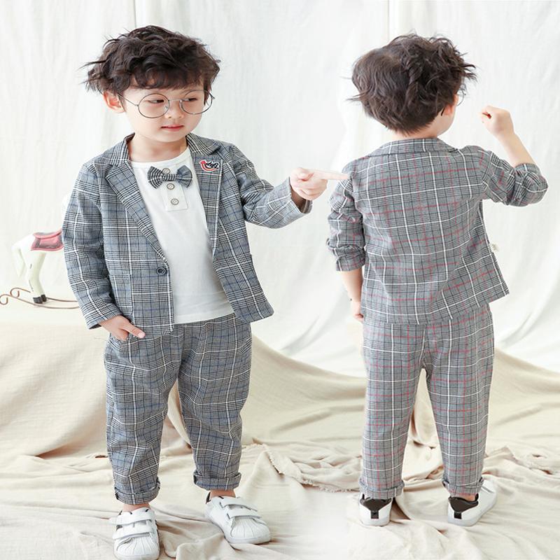 Autumn Fashion Junge Kleidung Kleinkind-Baby-Kleidung 3Pcs Herren Set gestreifter Baumwollmantel T-Shirts Hosen 1-5Yrs Boy Anzug