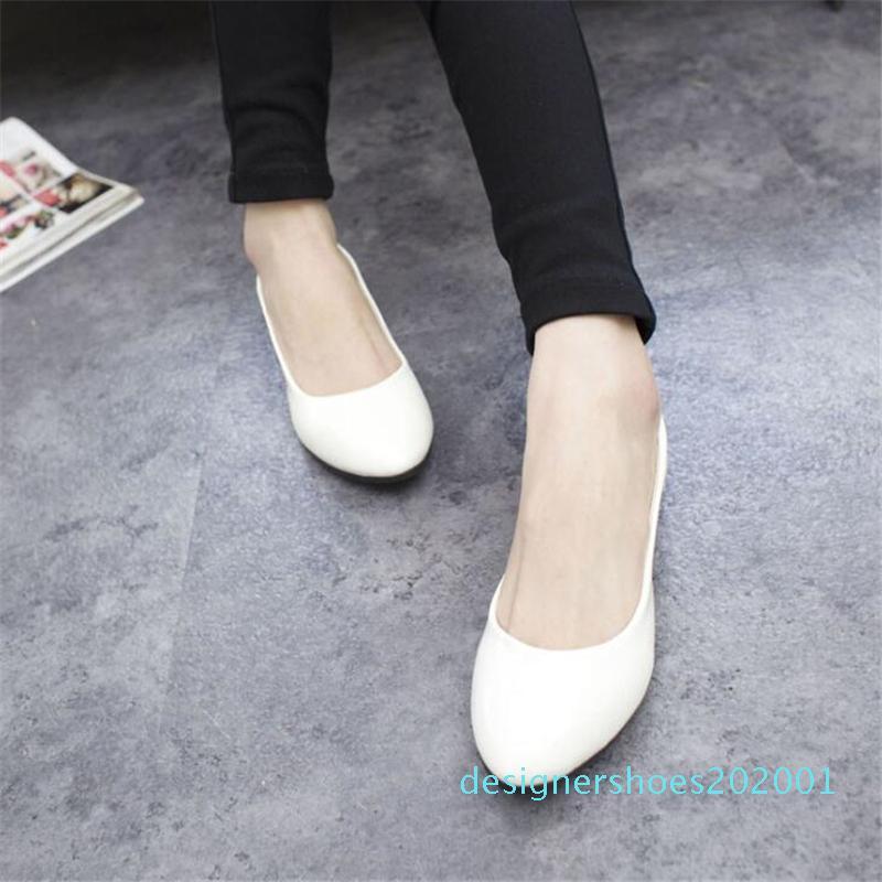 New sapatos de couro liso do dedo do pé Pointed Mulher Loafers Primavera Outono calçados casuais Mulheres Flats cor doce doce Flats Plus Size 35-42 CS01