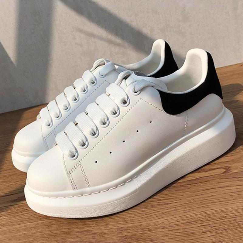 أعلى الأسود المخملية الذيل منصة الأحذية الثلاثي الأبيض rainbow الليزر الأصفر الأزرق العاكس معدني الفضة الرجال النساء أحذية رياضية