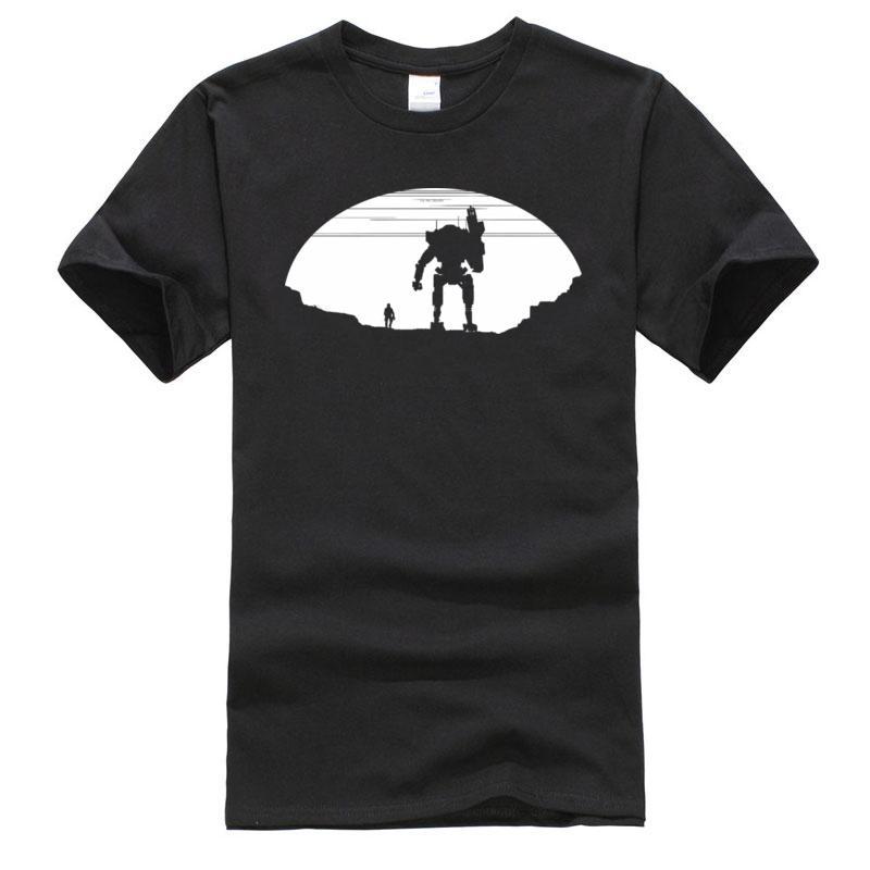 Tişört Robot Saldırı On Titan Siluet Erkek Yepyeni Tee Gömlek Pamuk Tişörtü Noel Günü