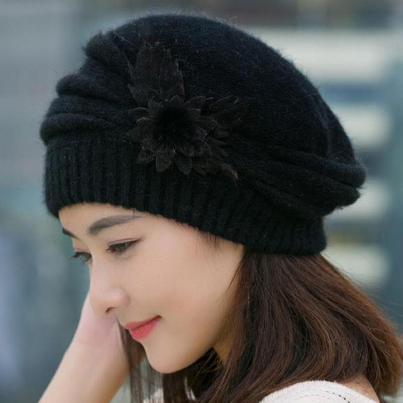 Automne Hiver Chapeau Solide Couleur Magnifique Mode Femmes Femmes Fleur Crochet Knit Bonnet Keep Warm Cap Beret Femme