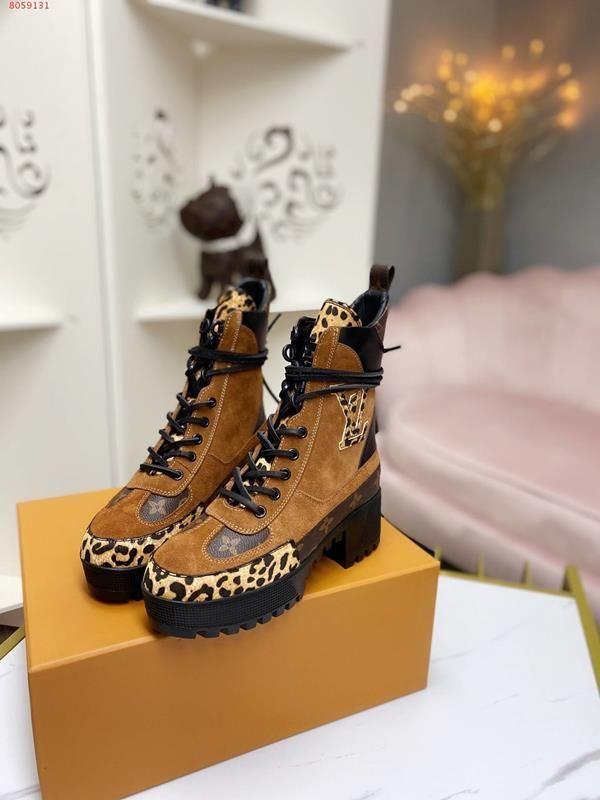 mais recente projeto para rebites tornozelo laço bordado com sapatos abelha deserto grossas botas de salto-alto cowboy diamante negro marrom botas Martin