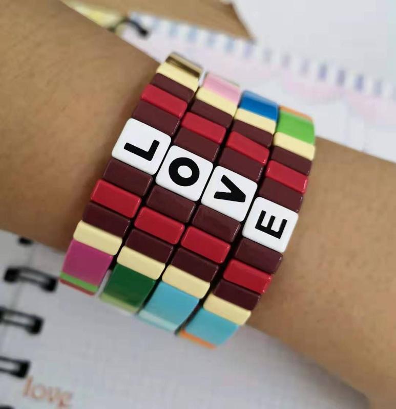 BD043 Geometrik Desen Multicolour Emaye Love Letter Alaşım Bilezik Boho İstiflenebilir Boncuklu Elastik Erkekler Kadınlar Bilezik