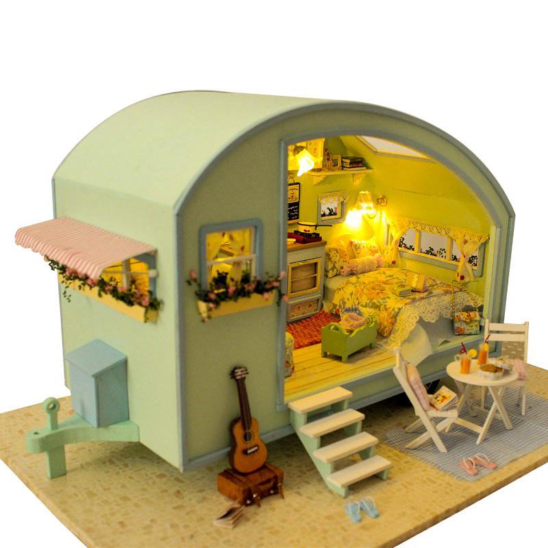DIY دمية منزل خشبي دمية المنازل مصغرة دمية الأثاث كيت لعب للأطفال هدية الوقت السفر دمية المنازل T200116