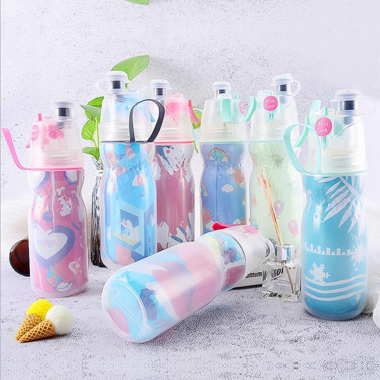 الجملة ذات جودة عالية 16OZ 21oz رش رذاذ زجاجة مياه زجاجة في الهواء الطلق ركوب الدراجات الركض التنزه المياه الرياضة زجاجة بلاستيكية الحرة BPA المياه