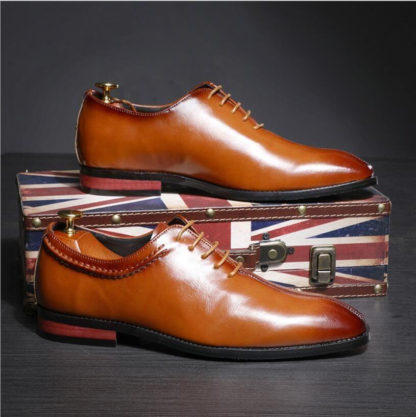 Moda Uomo Pattini di vestito della punta aguzza Oxfords in pelle da uomo Business Flats per Scarpe Uomo 2020 Nero ufficio Brown Big Size 37-48