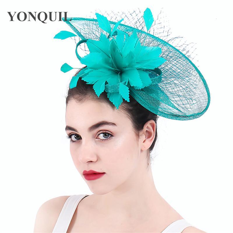 Drapeaux radin soudre de chapeaux élégantes femmes dormantes Weddiing headwear voiles de mode mariée accessoires de cheveux événement Fedora Cap Pin Fascinator