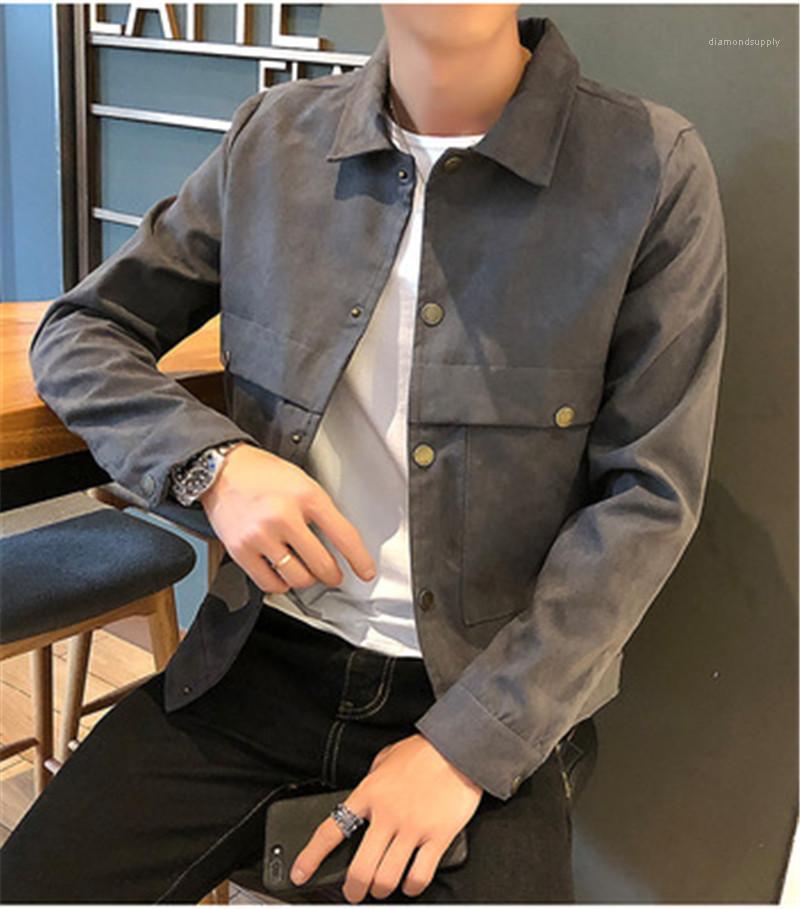 Koreanische Version Leichte beiläufige Taschen-Oberbekleidung Designer Male lose Einreiher Mäntel Jacken Mann Revers dünne Jacken Herbst Mode