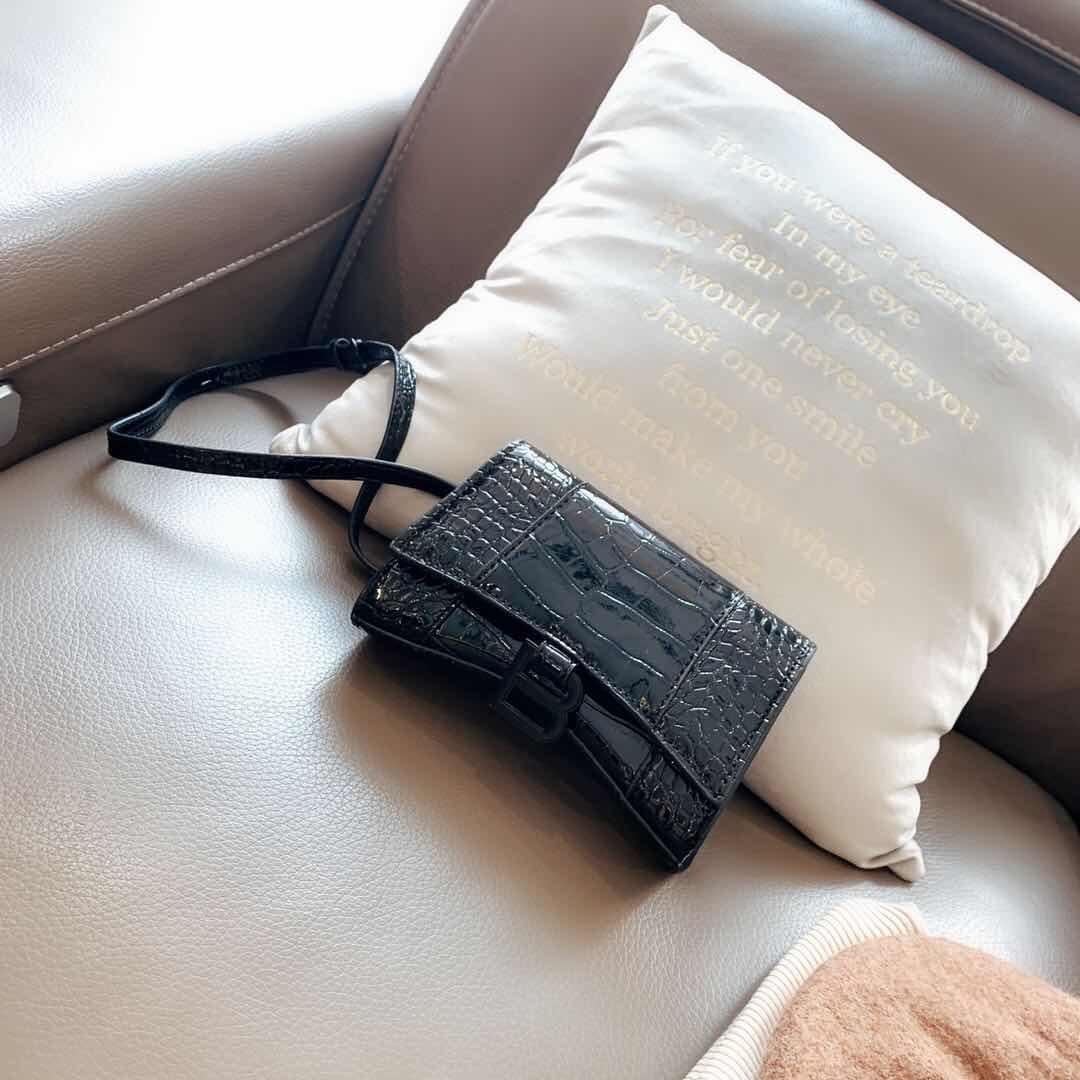 Vente chaude sacs à main Vintage Fashion Femmes Portefeuilles Sacs à main Designer pour les femmes chaîne en cuir Sac à bandoulière et Sacs à bandoulière 25 5colour