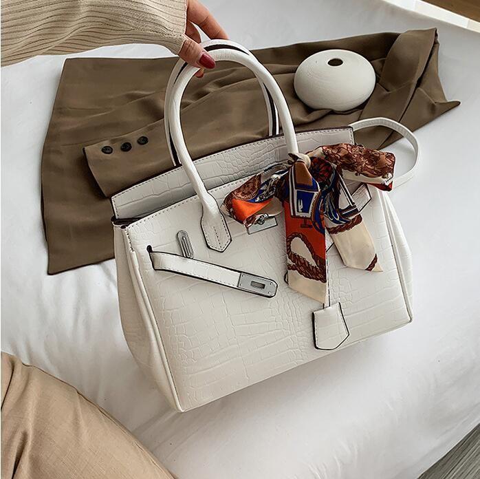 wholesale women handbag elegant Joker scarves portable large messenger bag vintage leather handbag classic crocodile leather shoulder bag