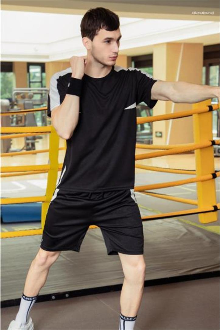 Костюмы Мужские летние костюмы мужские дизайнерские спортивные Футболки Шорты 2pcs Одежда Комплекты панелями Сплошной цвет Casual