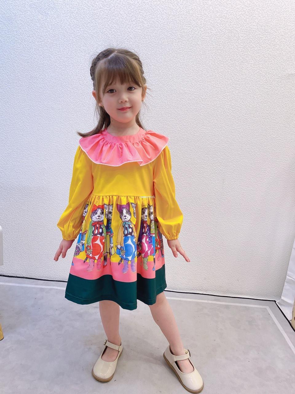 Cartoon filles Robe imprimée 2020 nouveaux enfants Big Falbala col robe à manches longues Designer Kids Robe plissée A4344
