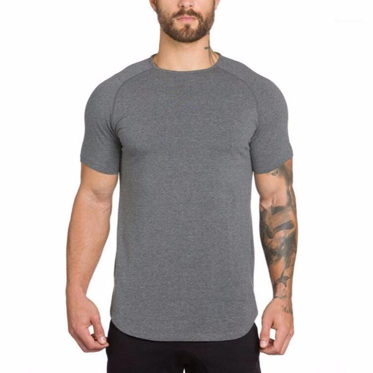 Shirt Slim Fit сплошного цвета лето с коротким рукавом Одежда Мужской Crew Neck Tshirt Мужской дышащий Спорт T