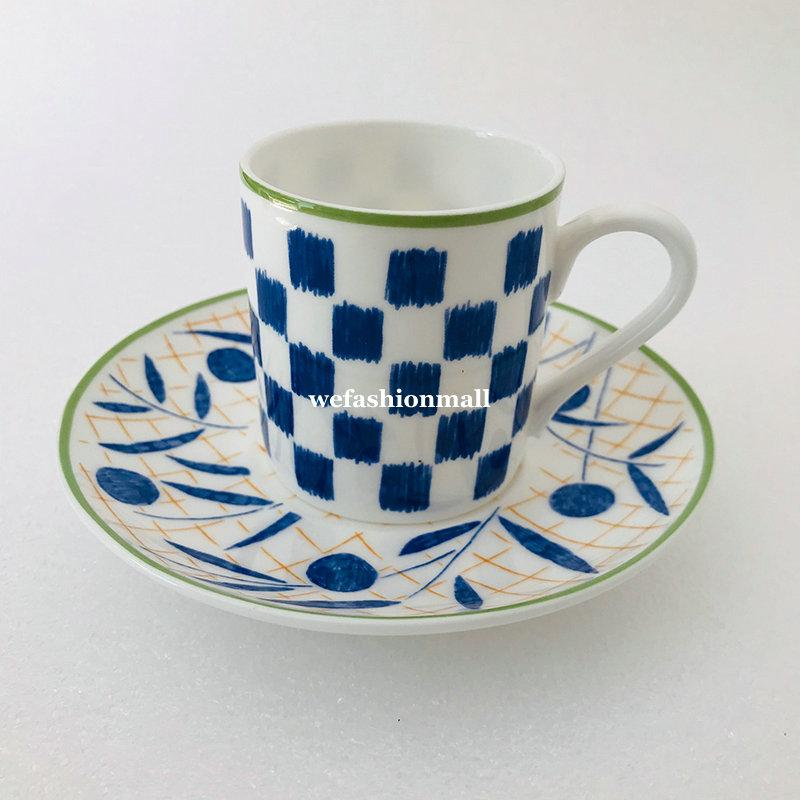 Luxuriöse Keramik Kaffeetasse der europäischen Art und Untertasse Top Grade Bone China Cup Saucer Set Porzellan Paare Becher Hauswarming Geschenk