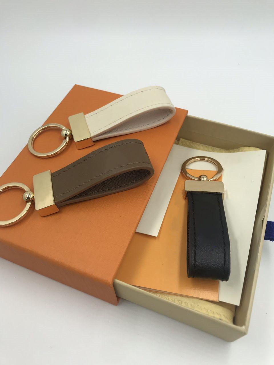 Fashion Key Buckle Car Keychain Handmade Leather Keychains Men Women Bag Pendant Accessories 9 Color