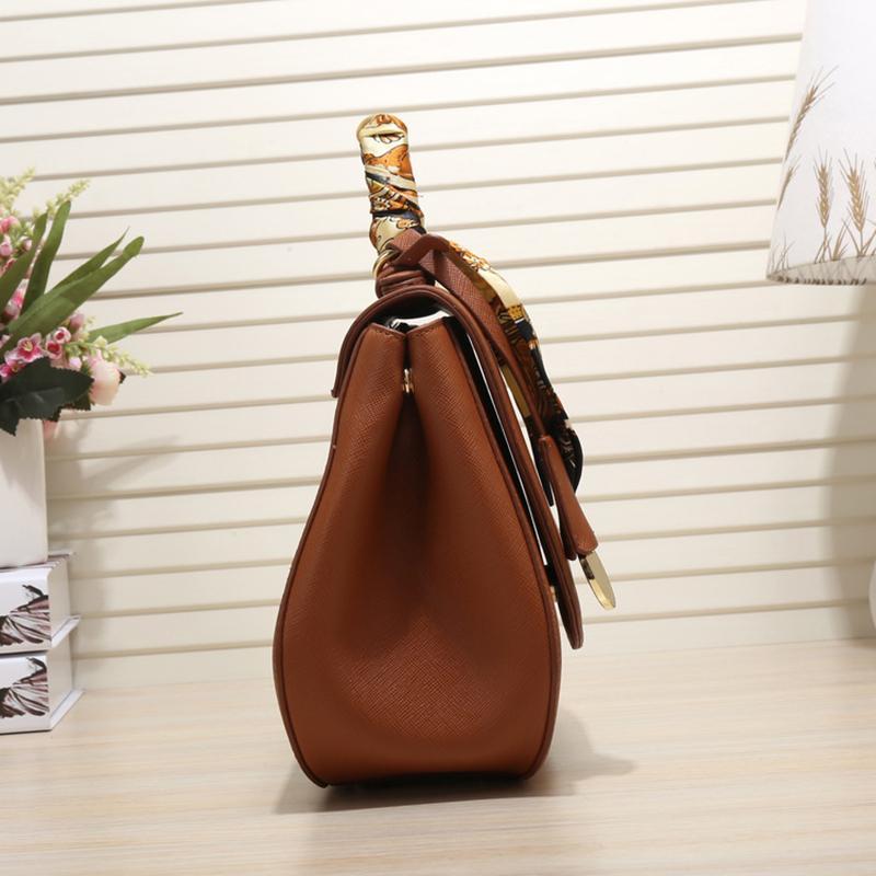 2021 New Color and Sconto Borse a spalla Borse Borse 5 American Bags Style Grande capacità Tempo di grande capacità Decorazione limitata Ribbon europeo Tuvtu