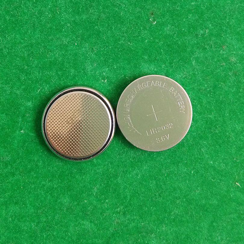 1000pcs / Lot, 3,6 V LIR2032 wiederaufladbare Knopfzelle, Lithium-Ionen-Knopfzellenbatterien