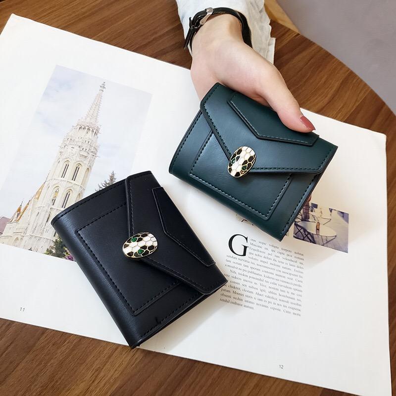2020 디자이너 새로운 작은 지갑 여성 짧은 유럽과 미국의 일반 뱀 머리 여성 지갑 학생 패션 3 배 동전 지갑