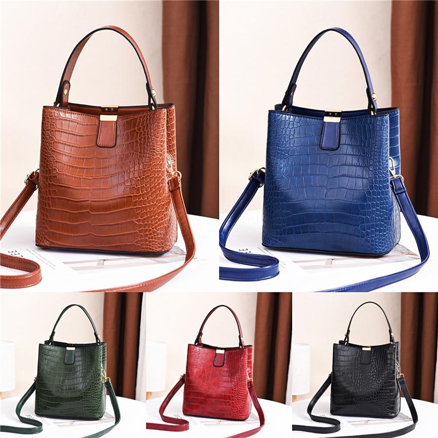 2020 Летний женщин соломы Тканые Малый квадрат Сумка повелительниц Пляжные сумки посыльного Tote Leaf Pattern Сумки # 168