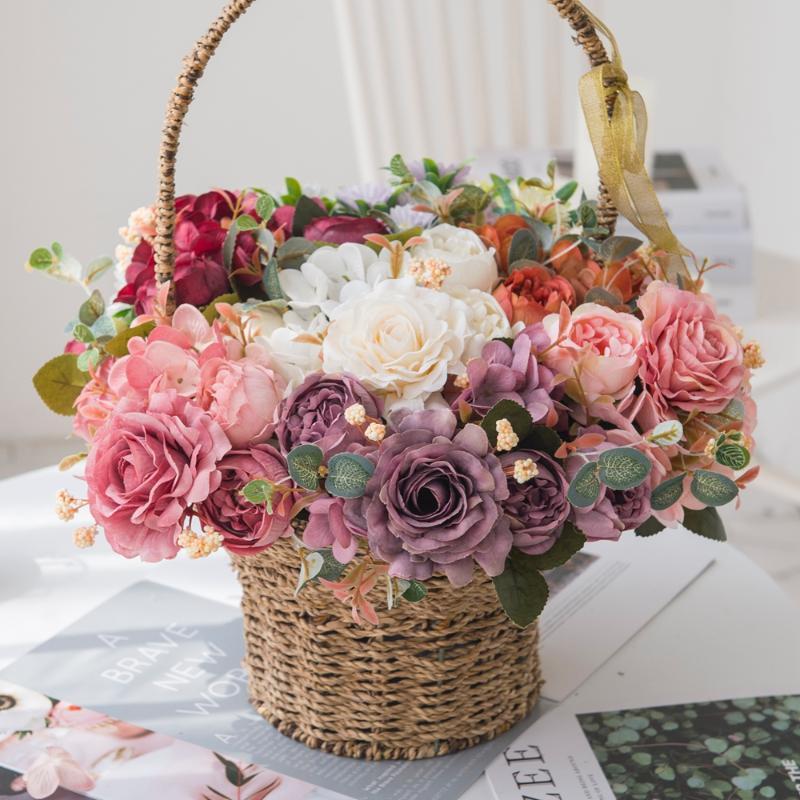Искусственные цветы Белые шелковые розы Винтаж Невеста держит букет Вазоны для домашнего декора Аксессуары свадебные Декоративные искусственные растения