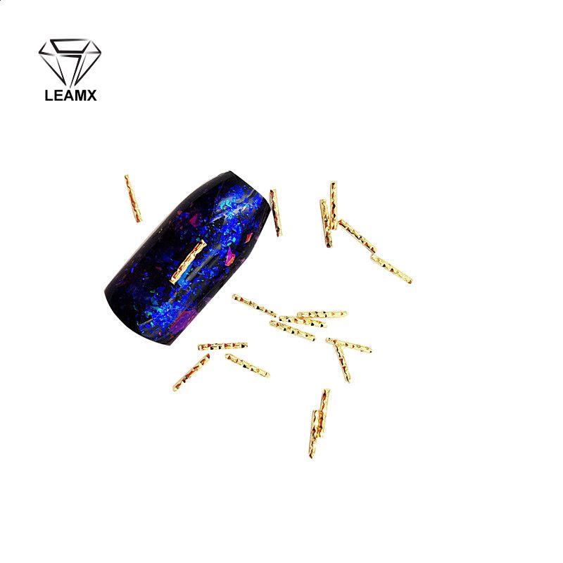 100 PCS / sac en alliage de cuivre à long rayures 3D Nail Art mousseux charme Décoration Décoration Bijoux Fingertips Nails Fournitures Salon