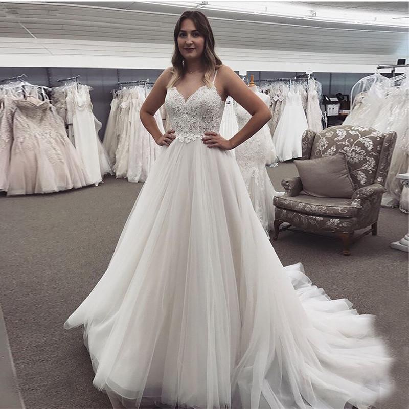 Spring New Spaghetti Lace Beach Wedding Dresses Tulle A Line Sexy Open Back Bridal Gowns Sweep Train Robe De Mariee Vestidos