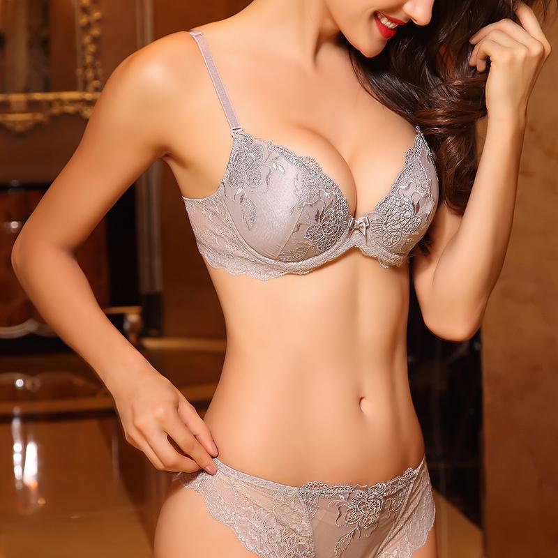 Femmes d'été coton mince soutien-gorge sexy broderie dentelle Brief sets de Femme Lingerie Brassiere Transparent Sous-vêtements sans couture culottes