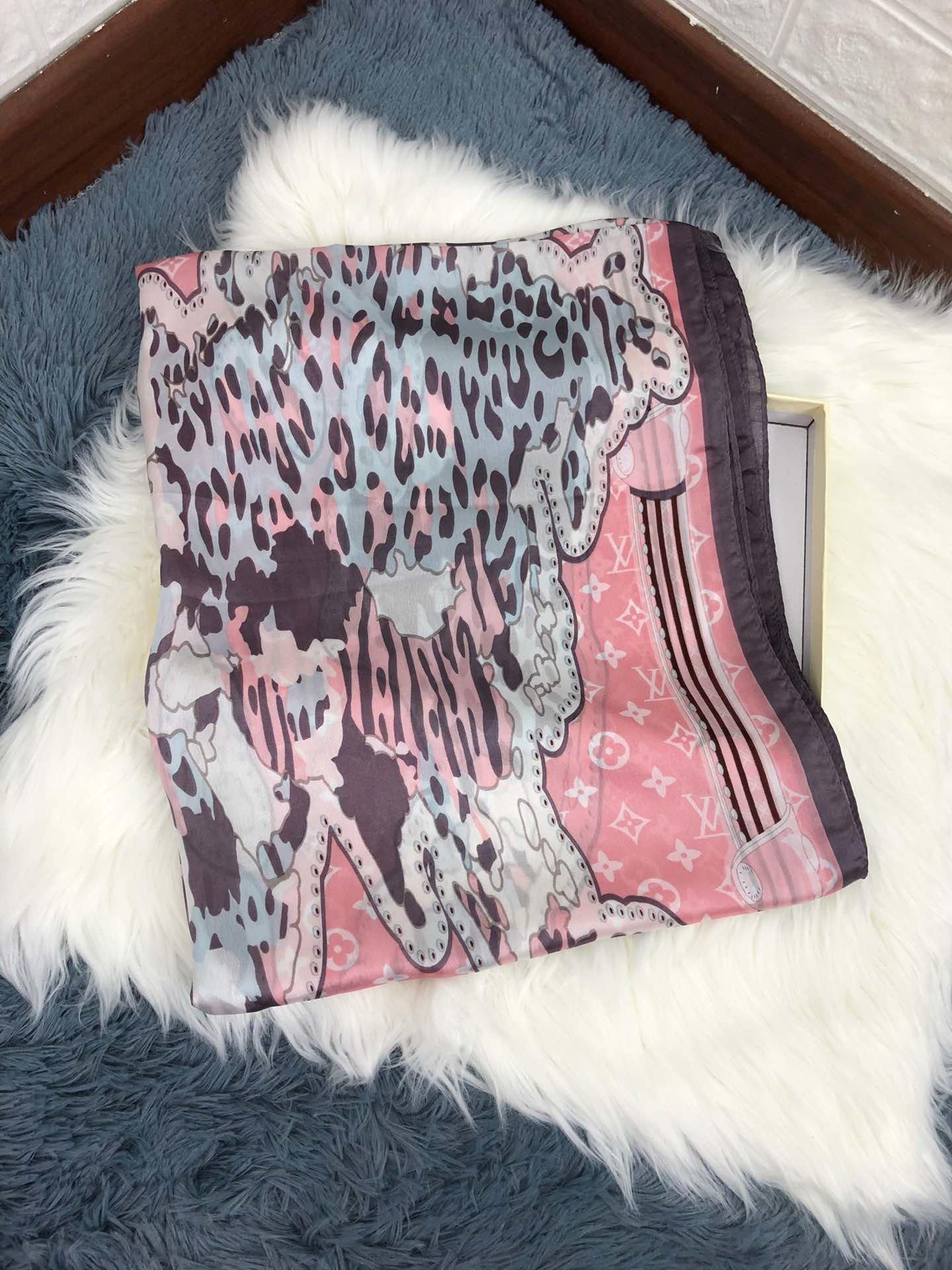Марка высокого качества шелковый шарф, модный дизайн, подходящий для любого случая, шелковистый, дышащего и удобного 106824