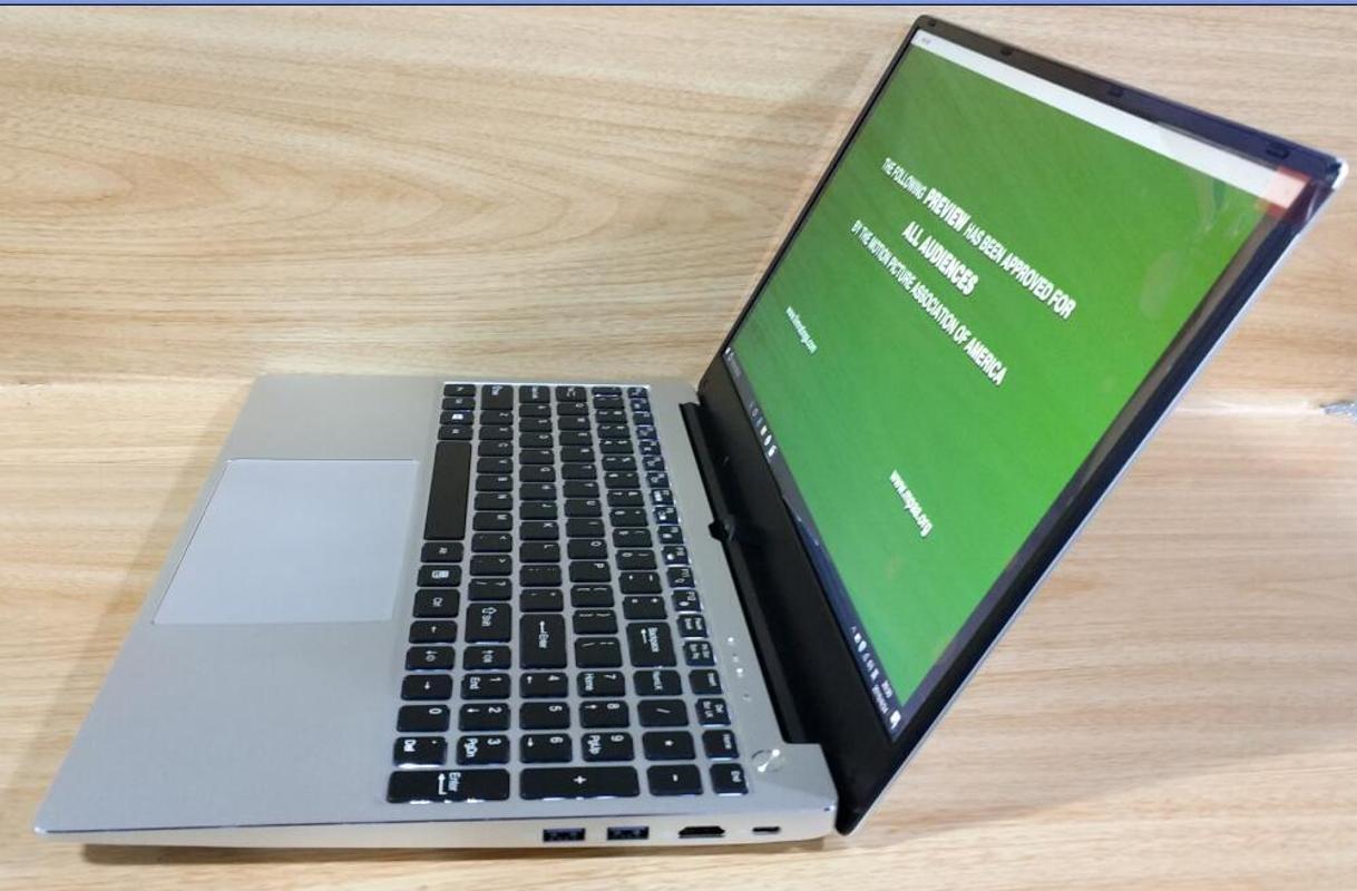 Быстрый игровой ноутбук 15,6 дюйма Intel Core ноутбук 16 ГБ ОЗУ 1TB SSD или 2TB HDD