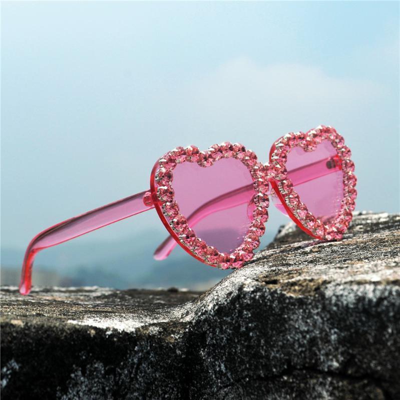 Lunettes de soleil de luxe de Diamond Amour Femmes Nouveau Marque Designer Mode femme Lunettes Lunettes Cool Cat lentille claire FML