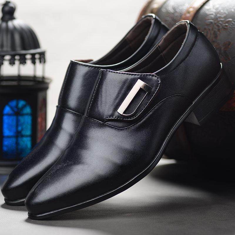 Sapatos de Nova Homens Spring Leisure sapatos da moda britânica Versão Coreana de Homens Dress Pointed positiva do tamanho 38-48