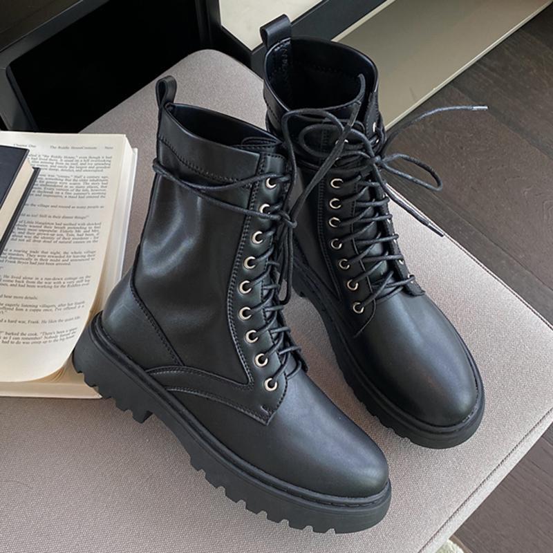 2020 겨울 동향 여성 라운드 발가락 발목 부츠 타이 업 소프트 가죽 블랙 부츠 중간 힐 짧은 여성 신발