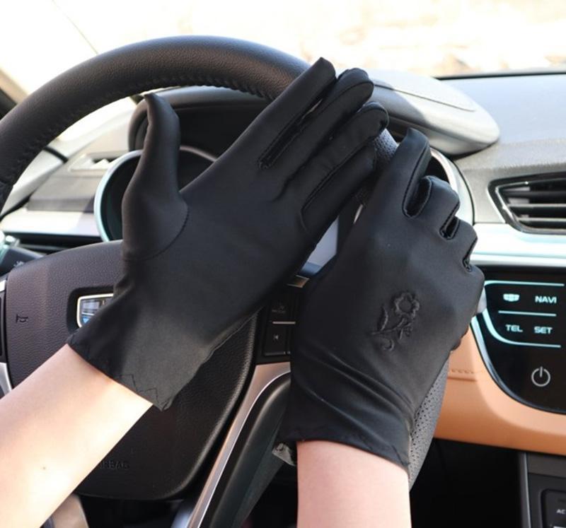 Super-elásticas full guantes de dedo protector solar Conducir Guantes de bicicleta resistente al deslizamiento mujeres de la moda del bordado de la etiqueta E17
