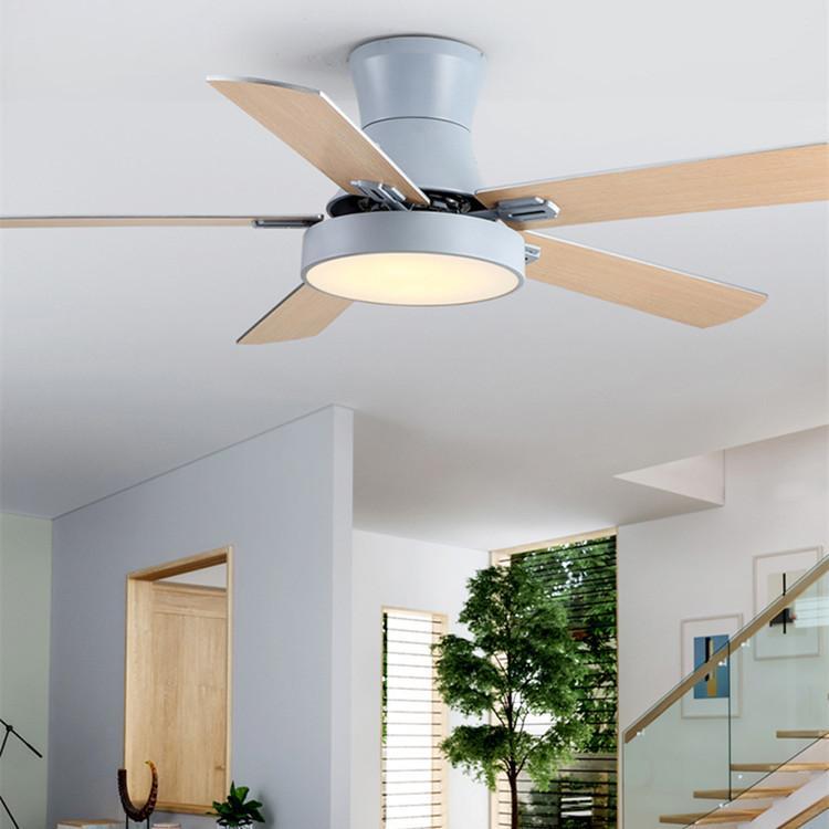 Fans électriques Nordic LED Ventilateur de ventilateur de plafond pour salon Maison Diming avec télécommande Lampe AC220V ABS Feuille ABS