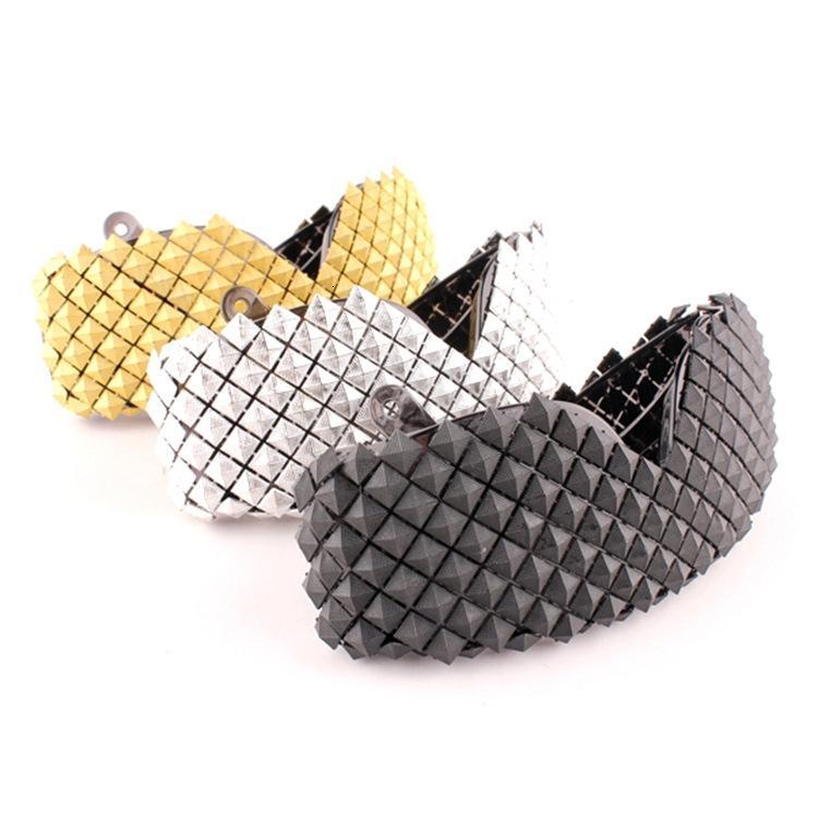 Золото Серебро Steampunk Солнцезащитные очки для женщин новизны способа роскошных людей ВС очки Pyramid партии знаменитости очки Hip Hop готики