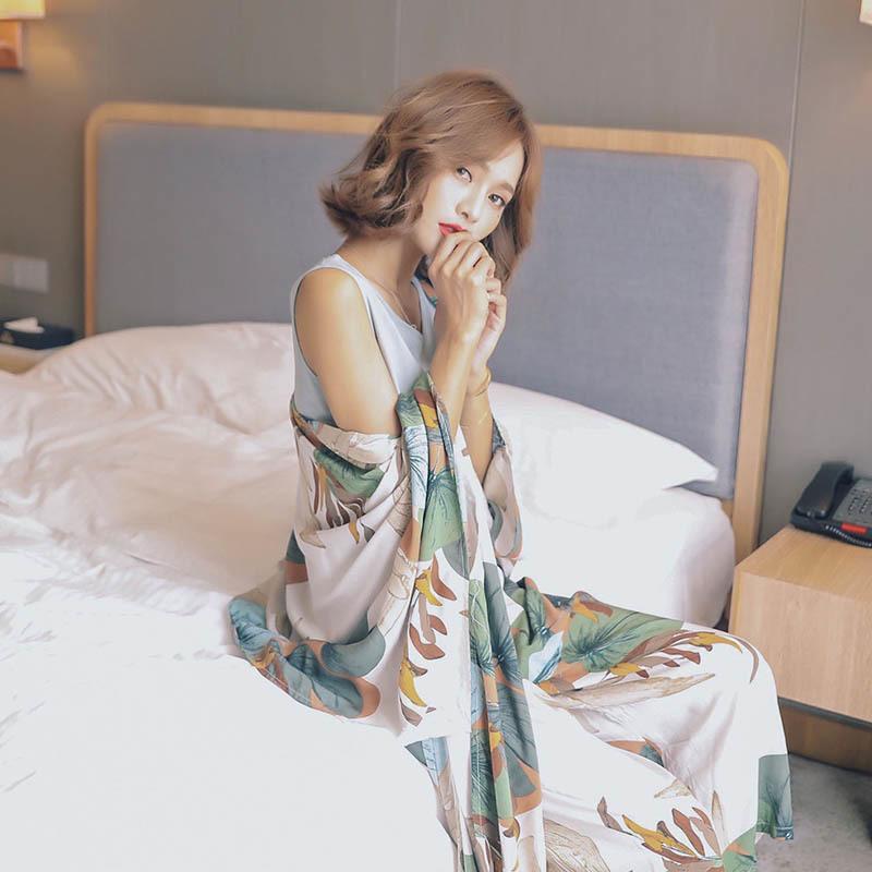 Señoras del otoño Conjunto de pijama de algodón satinado 4 piezas Conjunto Cardigan + chaleco + pantalones + cortos impreso floral elegante Femme Tender la ropa de noche Homewear 200919