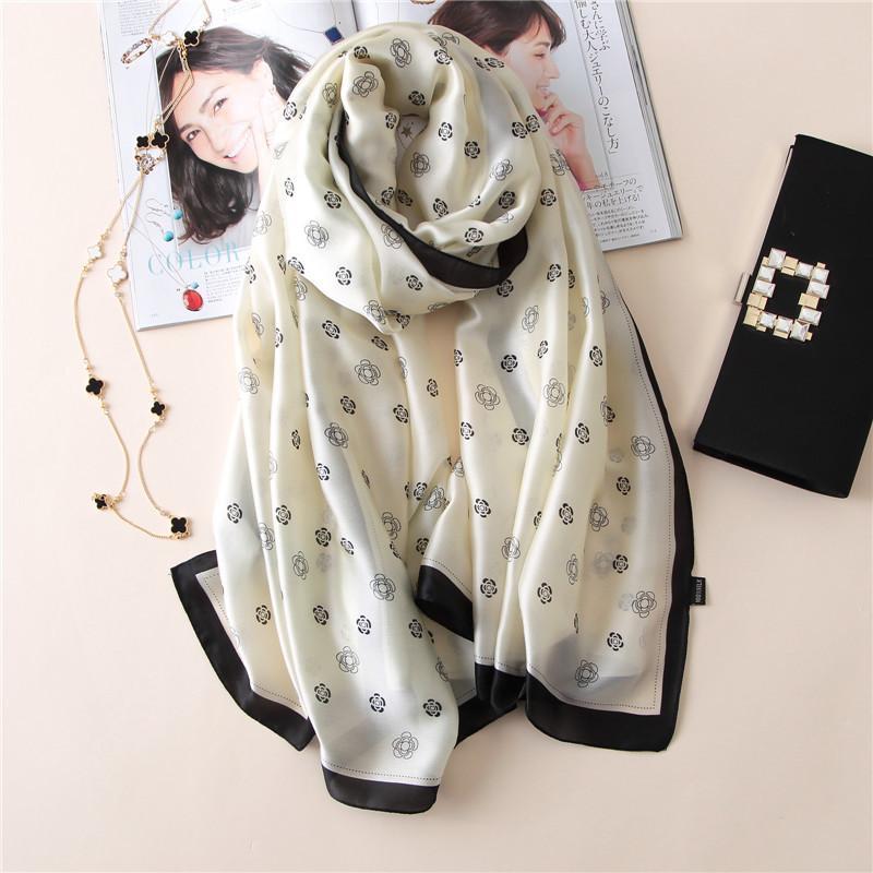 bufanda de lujo 2020 mujeres mantón de las bufandas y abrigos de la bufanda de seda dama playa de verano pañuelo echarpe foulard 180 * 90cm al por mayor
