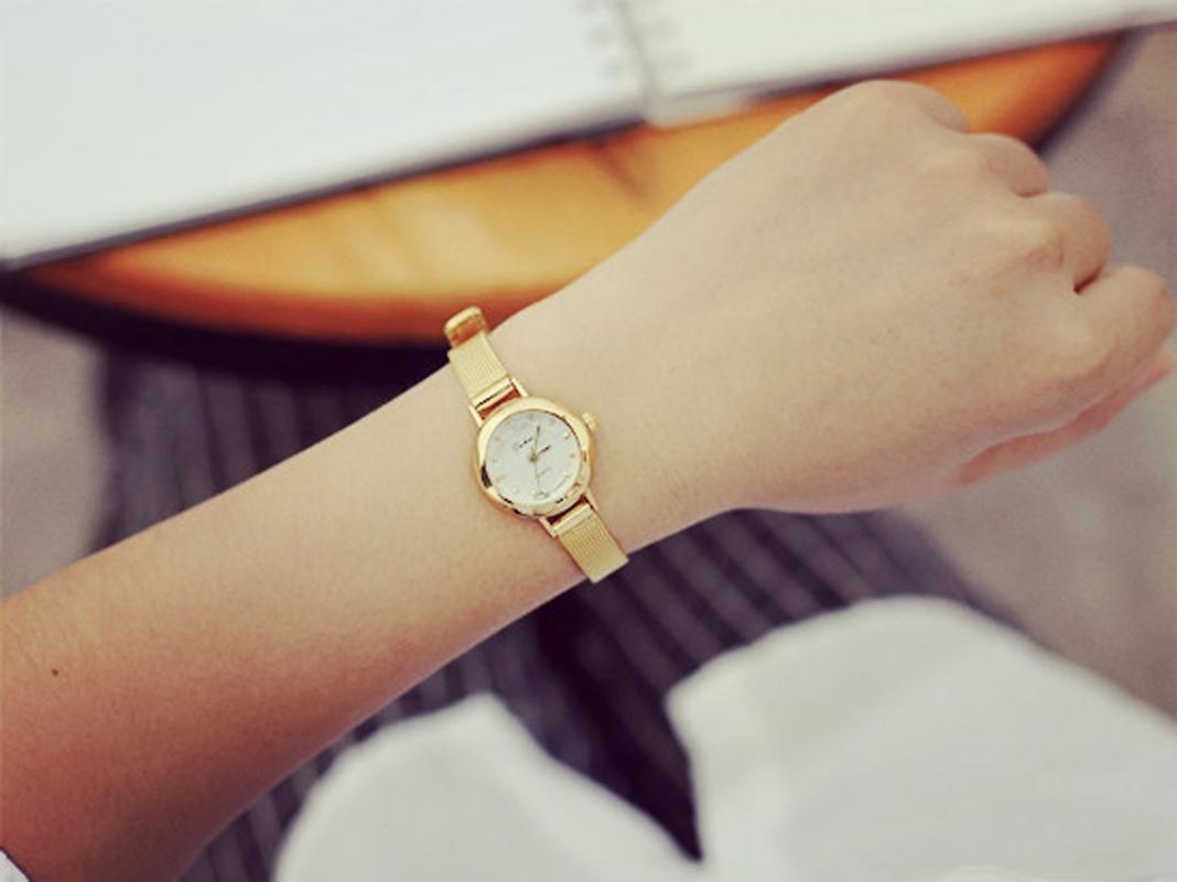 Alça Aço Mulheres Quartz Analógico relógio de pulso Relógios Inoxidável Liga de Material Temperamento Wirstwatch F1 M1 30%