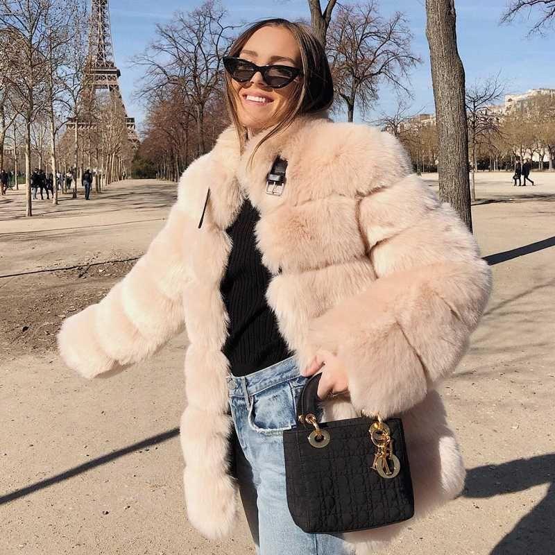 Esclusivo Fibbia Pelliccia di inverno delle donne di disegno di lusso della pelliccia del Faux Giacche addensare Warm lungo cappotto Fluffy Patchwork Outerwear