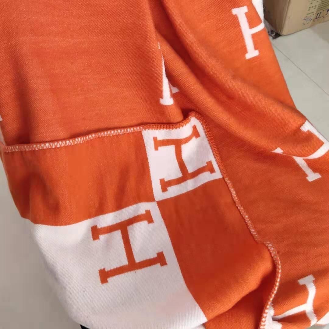 E6Amd le style d'hiver H lettre cachemire écharpe châle petit foulard Gong fois coussin Ming Gu Li couverture canapé couverture de coussin