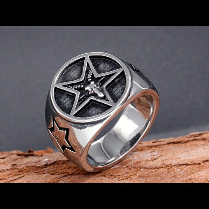 Retro acero inoxidable suerte anillo de cinco estrella de cinco puntas anillo de estrellas de los hombres joyas de Europa y América del punk populares
