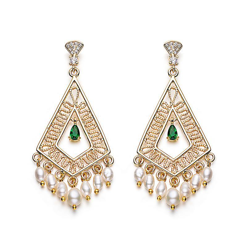 Ciondola di Snug Piercing perla nappa dei nuovi di disegno orecchini d'acqua dolce naturale perla per le donne Accessori