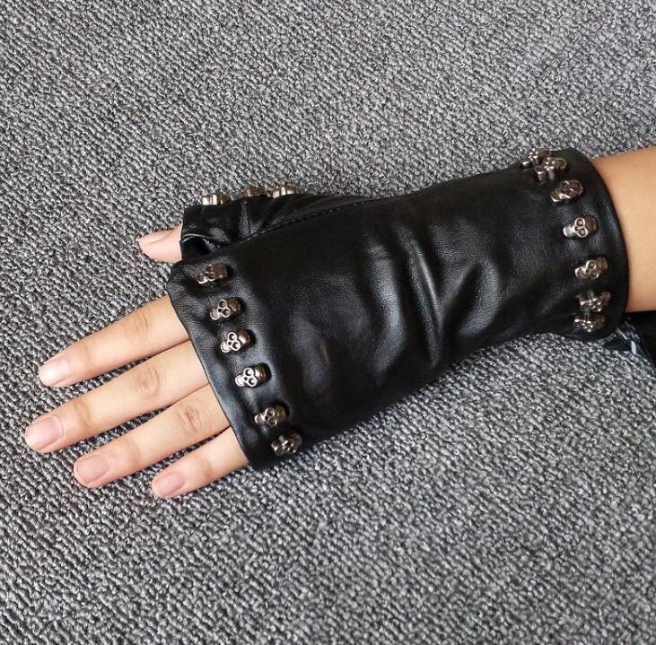 Damenmode natürliche Schafsleder Handschuh ohne Finger der Dame Schädel Niet-Punk-Stil Motorrad Handschuh R575