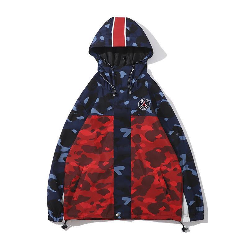 Мужская мода Куртки Осень Повседневная Мужчины Куртка с капюшоном письмо Camouflage Pattern Куртки мужские Щитовые Ветровка Размер M-2XL