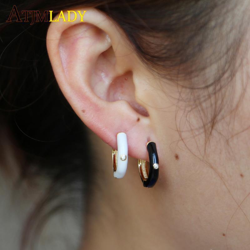 Luxury orecchini a cerchio per le donne dello smalto rosso pavimentato Impostazione cubico zircone oro-colore del partito orecchino di alta qualità delicata gioielli