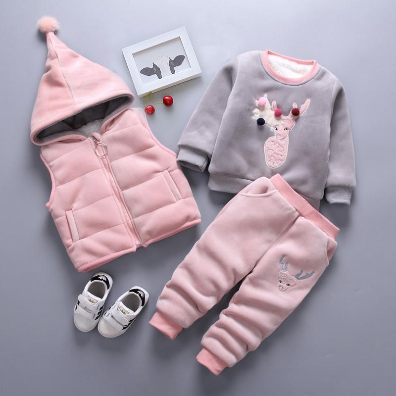 2020 أزياء طفلة ملابس الشتاء الكرتون الرضع رشاقته المخملية معطف t-shirt السراويل 3 قطعة / مجموعات ملابس الأطفال كيد رياضية