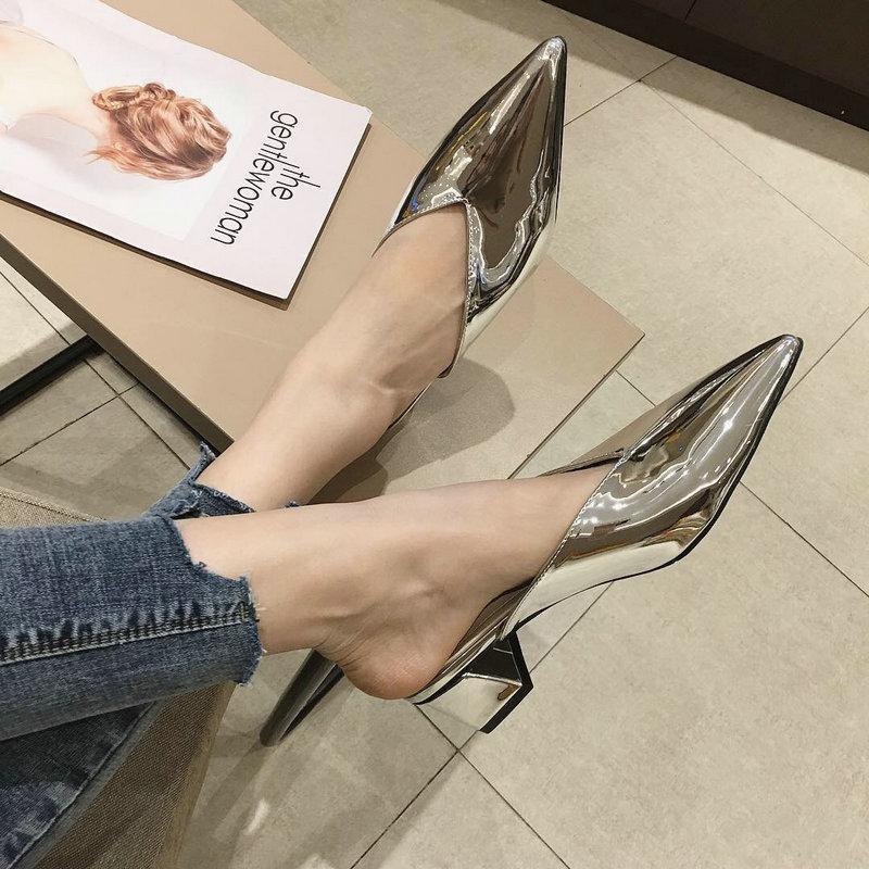 Femmes Talons Mules Pantoufles Femme Noir Toe Pointu Chaussures en cuir argenté extérieur de brevet Femme Mode Sexy Party ShoesB284