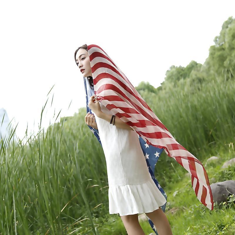 eSgYo 2019 de Moda de Nova bandeira americana impressa seda filtro solar 2019 de Moda de Nova bandeira americana de seda impressa filtro solar cachecol xale cachecol xale sc