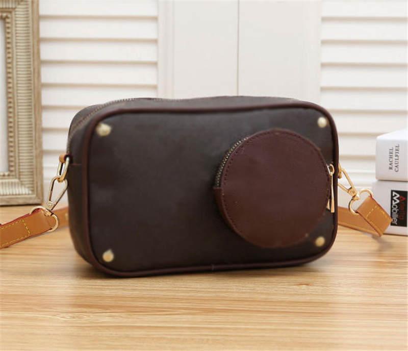 Câmera em bolsas de inverno Volga outono e bolsas L Mulher Ombro Strap Crossbody Bag PU Novo M69688 sacos de couro sacos de bagagem Tosch