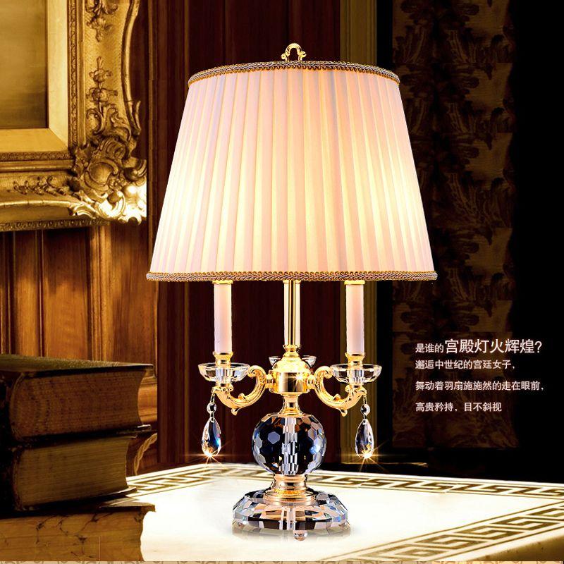 Diseño de noche cristalino de escritorio ligera luz de la sala de estudio moderno de cristal Lámparas de mesa para sala de estar dormitorio hierro cromado Lámpara tonos